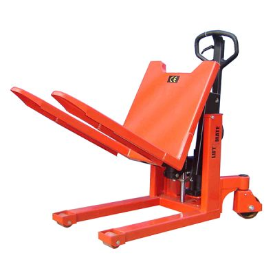 Manual Pallet Tilter by Step and Store