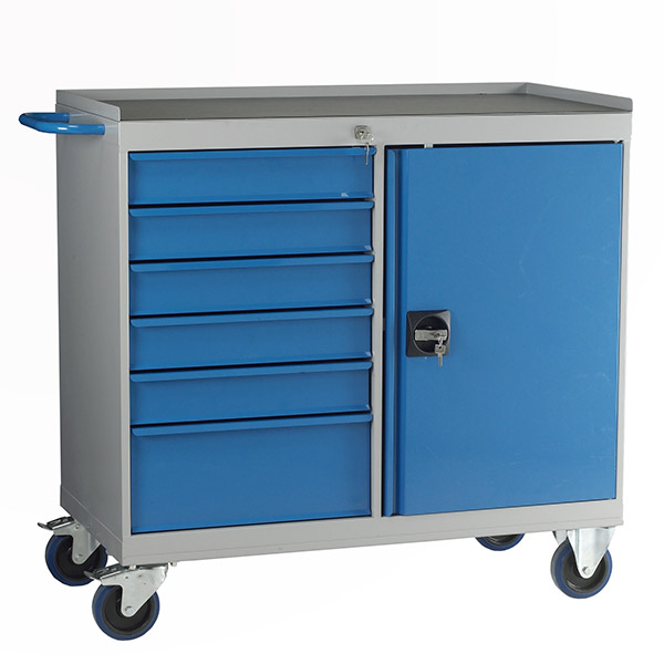 Mobile Maintenance cabinet by Step and Store